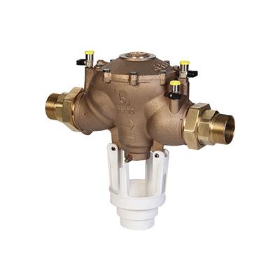 Återströmningsskydd, levereras i komplett modul med avstängningsventiler och smutsfilter.